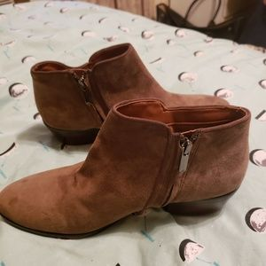 SAM EDELMAN BRAND NEW ANKLE BOOTIES - FIRM PRICE